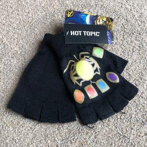 ✨2 for $15 or 4 for $25✨ avenger gloves